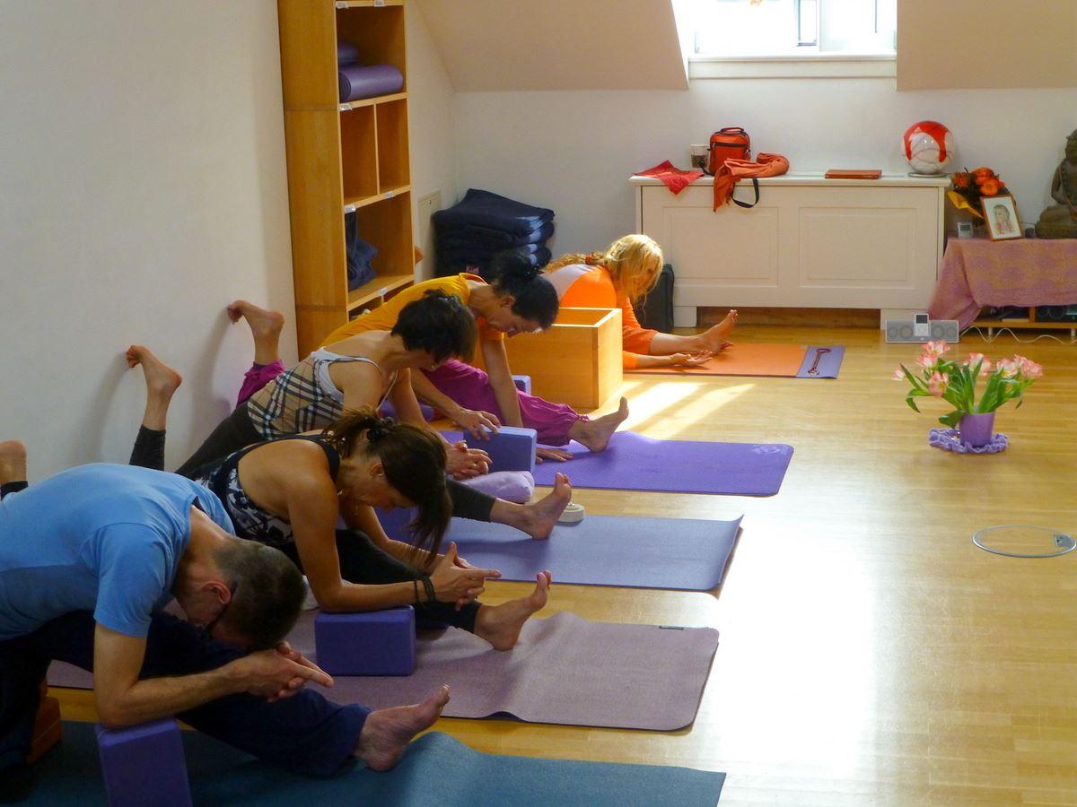 Hanuman Thigh Stretch