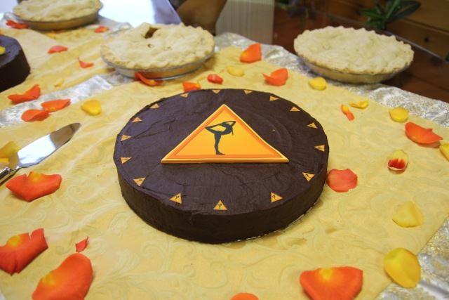 Vegan BDAY Cake by Barb Knobb