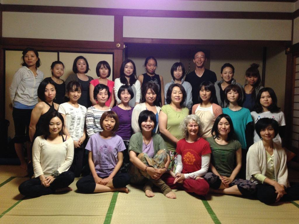 Level 1 group yogasmile