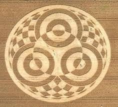 TriYoga_in_CropCircles