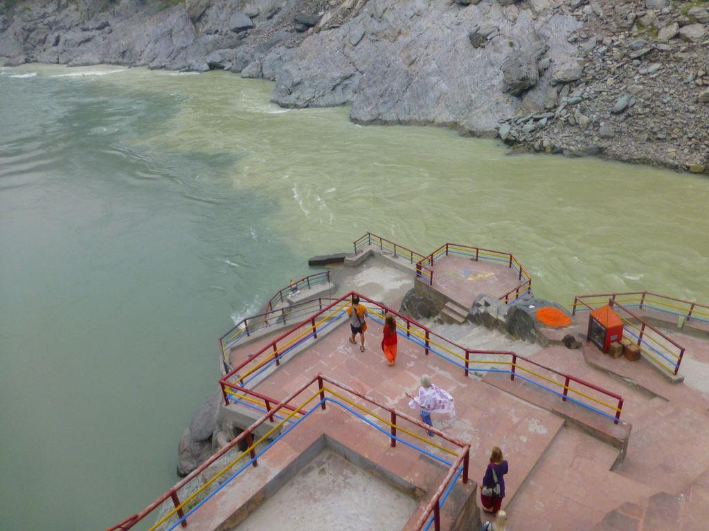 Kaliji and Hari reach the Sangam first