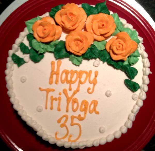 TriYoga35_cake_by_Bhavna