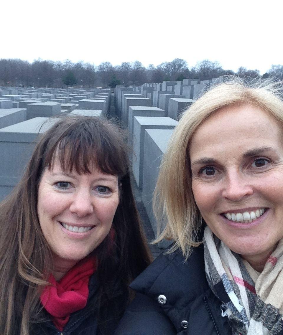Kelli & Claudia-1