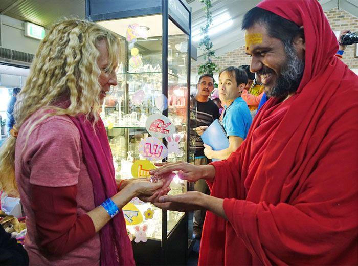 Bala Swamiji gives_Kaliji_BDay gift