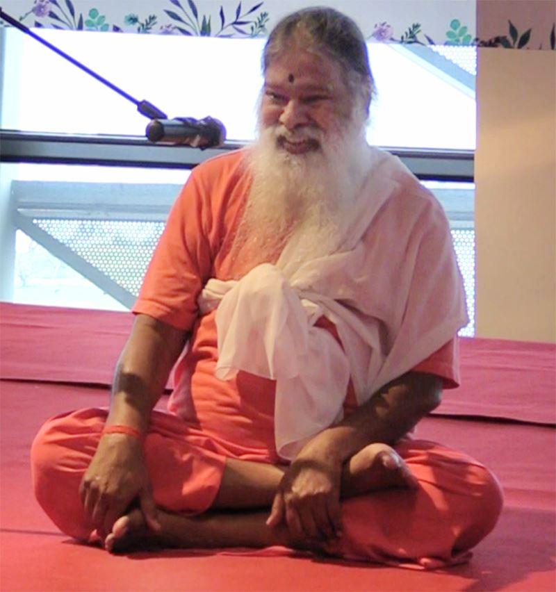 SriSwamiji_china_expo_yogasana