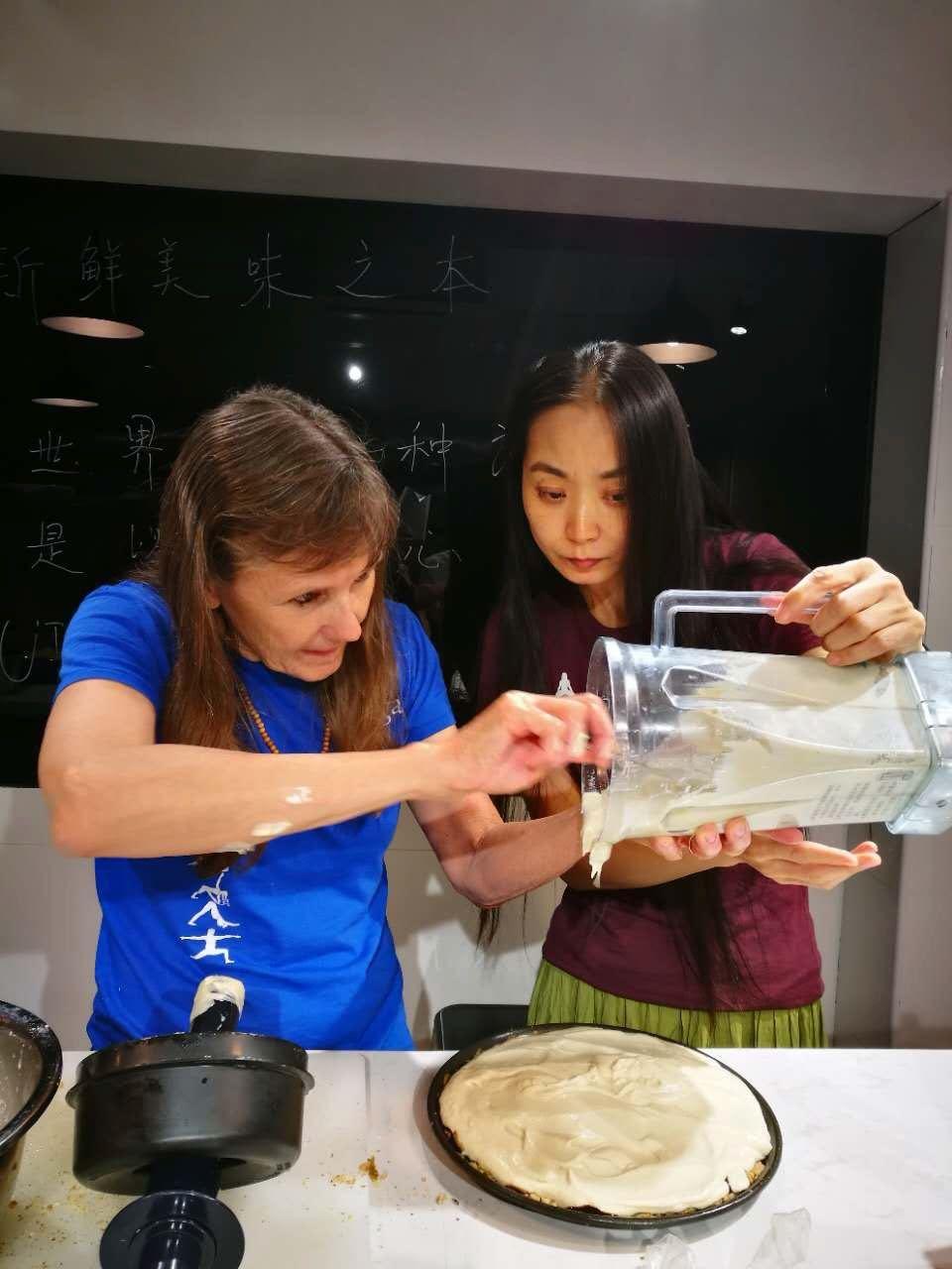 Beijing_Basisc_2017_Gina_Cindy_Cooking