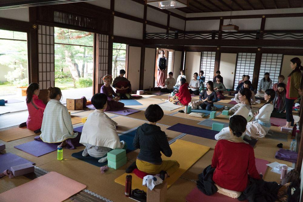 TriYoga_class_Japana2017_10_pv