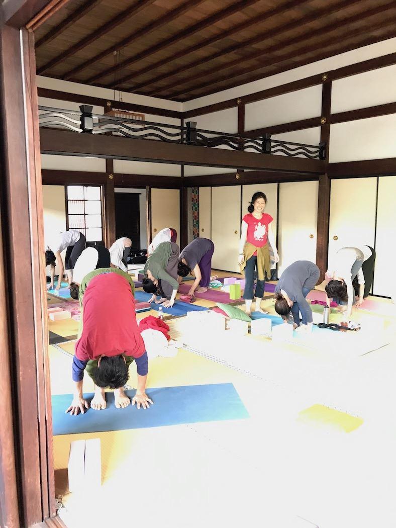 TriYoga_class_Toshi_Kiki