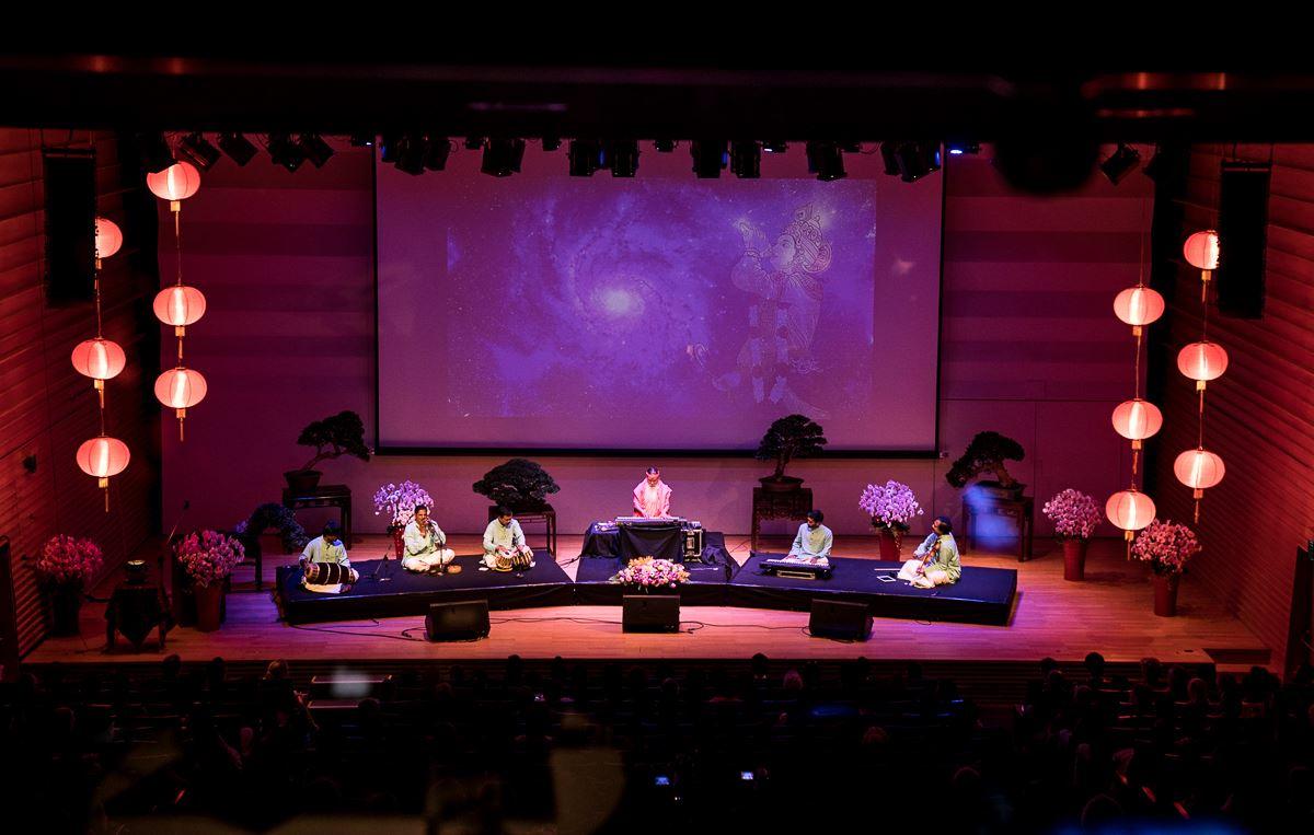 SS_concert_fullstage