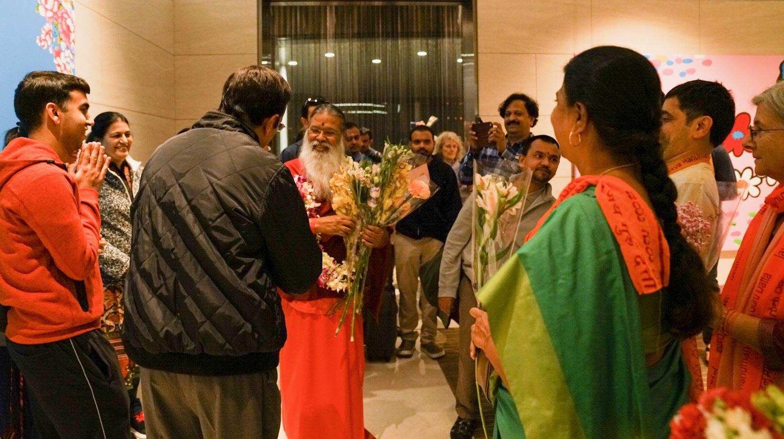 SriSwamiji_arrival