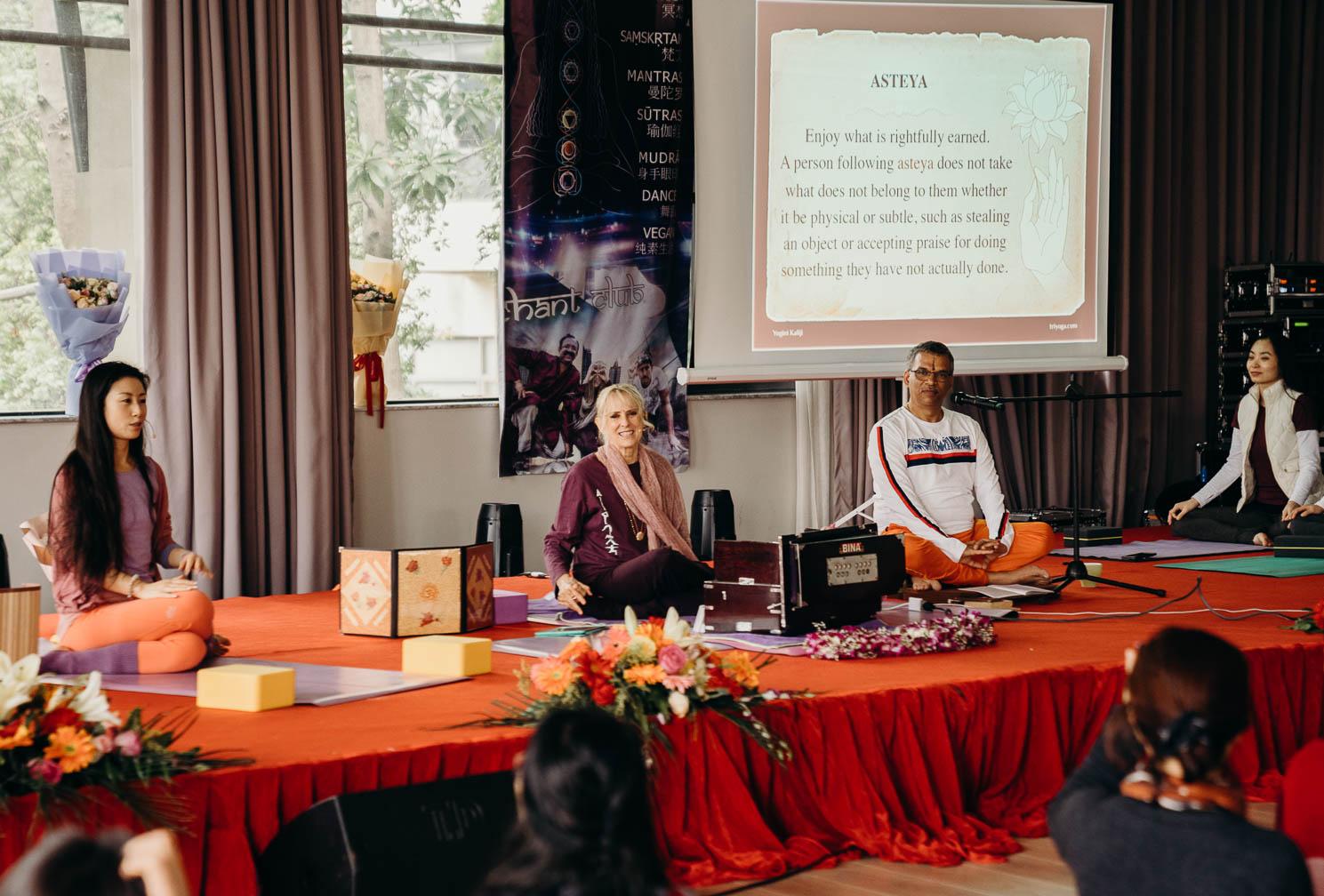TriYoga, Mantra Yoga, Yoga Sutras